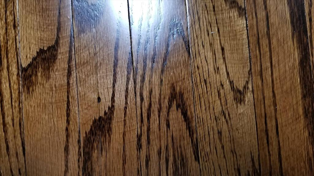 Swirl marks, Sanding swirl marks, Edger marks on stair tread